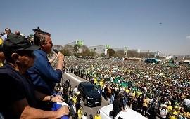 10/09/2021: Bolsonaro dice ahora que respetará los poderes del Estado