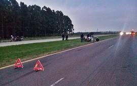 20/09/2021: Un hombre se cayó en Autovía 14 cuando se enredó con una soga que llevaba en su moto