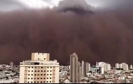 27/09/2021: Brasil: tormenta de viento y polvo cubrió el cielo del estado de San Pablo
