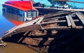 27/09/2021: Bajante del agua permite contemplar antigua barcaza hundida en un puerto entrerriano