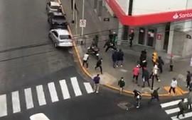 28/09/2021: Barras de Independiente se enfrentaron a tiros en Avellaneda