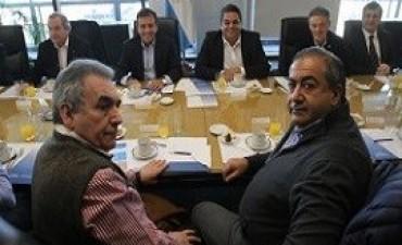 Comenzó la reunión entre el Gobierno y la CGT para evitar el paro