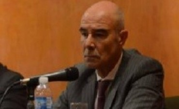 Gómez Centurión reasumió su cargo y habló de una