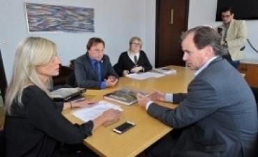 Bordet firmó convenios para la construcción de obras de saneamiento en Paraná y Concordia