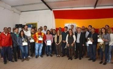 04/10/2017: La provincia entregó aportes y herramientas en Diamante