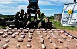 21/10/2019: Desarmaron un auto y descubrieron 52 kilos de marihuana que tenían como destino a Entre Ríos