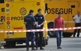 08/10/2019: Lomas del Mirador: golpe comando a un camión blindado sin disparar un tiro en una sucursal del banco Supervielle