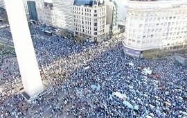 12/10/2020: Fuertes movilizaciones contra el Gobierno en el centro porteño y distintas ciudades del país