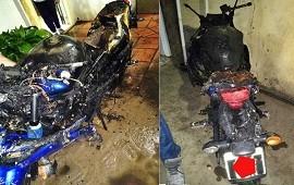22/10/2020: Una moto tuvo un desperfecto eléctrico y terminó incendiando un quincho