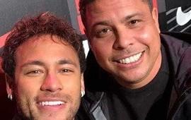 """14/10/2020: """"El cielo es el límite"""": el emotivo mensaje de Ronaldo a Neymar tras superar su récord con la Selección de Brasil"""