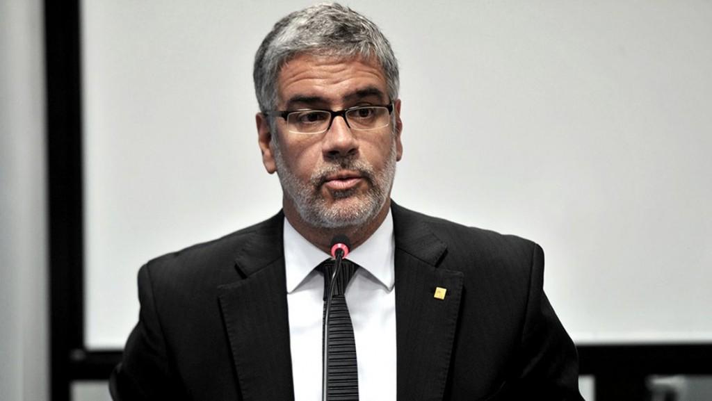 15/10/2021: Feletti advirtió que si no hay acuerdo ordenará