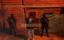 23/10/2021: Dos personas detenidas en el barrio Don Jorge tras un allanamiento por Narcomenudeo