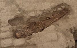 25/10/2021: Perú: descubren 29 entierros de más de 1.000 años de antigüedad