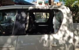 02/10/2021: Rompieron el vidrio y robaron casi 500 mil pesos de la camioneta de un productor rural
