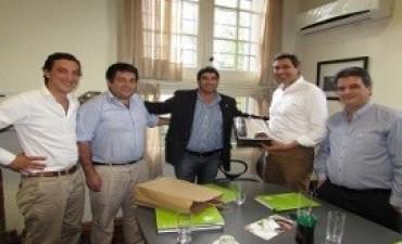 Acuerdan acciones de cooperación en materia turística con el municipio CH de Montevideo