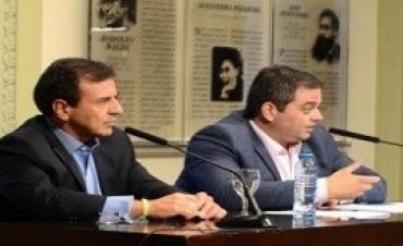 Gobierno, empresarios y la CGT firman un acuerdo para evitar despidos hasta marzo de 2017