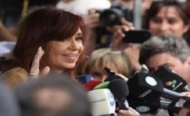 Bonadio rechazó la apelación de Cristina que deberá presentarse a dejar sus huellas dactilares