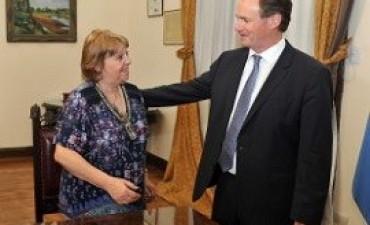 01/11/2017: El gobernador Bordet puso en funciones a Marta Landó al frente de Educación