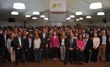 02/11/2017: María Eugenia Vidal agasajó a los candidatos en La Plata y recibió una visita inesperada