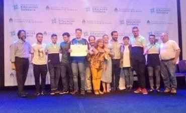 02/11/2017: Una escuela de Caseros fue reconocida en el premio presidencial Escuelas Solidarias