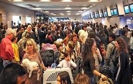 08/11/2018: Conflicto gremial: 150 vuelos de Aerolíneas cancelados y más de 15 mil pasajeros afectados