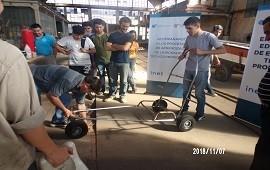 21/11/2018: Estudiantes de la provincia se capacitaron en la producción de sillas anfibias adaptadas