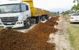 26/11/2018: La DPV refuerza tareas de conservación de caminos en el departamento Federación