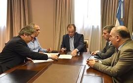 22/11/2019: Bordet firmó los acuerdos que aseguran la continuidad de importantes obras en la provincia