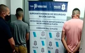 08/11/2020: La Plata. detienen a funcionario judicial y a policía por circular con una camioneta robada