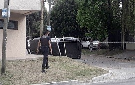 13/11/2020: Quilmes: chocaron una 4x4, volcaron y escaparon robando otro auto