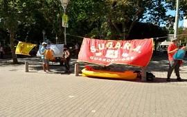 19/11/2020: Guardavidas se manifestaron frente a la municipalidad ante la falta de respuestas