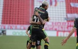 22/11/2020: Aldosivi golpeó a un Estudiantes que no levanta cabeza