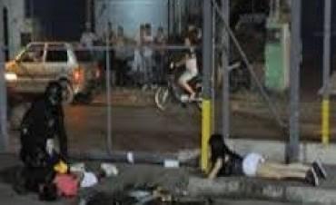 Córdoba: mientras continúa el conflicto con la Policía, saquearon numerosos comercios