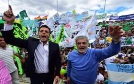 Das Neves se mostró junto a Massa y denunció que el gobierno usa