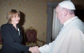 Francisco recibió a Gils Carbó en el Vaticano