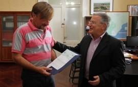 Se entregaron aportes para obras de infraestructura escolar en los departamentos Paraná y Uruguay