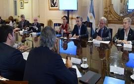 06/12/2017: Macri analizó con miembros de su gabinete la