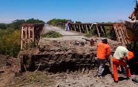 04/12/2018: Continúan las tareas de mantenimiento del puente aliviador en Don Cristóbal 1º en el departamento Nogoyá
