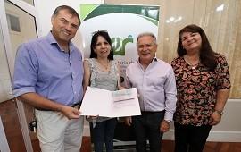 31/12/2018: La provincia entregó un aporte para reparar la escuela Bazán y Bustos de Paraná