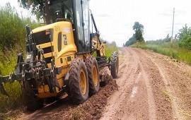 14/12/2018: Reconstruyen caminos afectados por las lluvias en el departamento Diamante