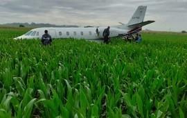 28/12/2019: Un avión privado aterrizó de emergencia en un campo de maíz cerca de Mar del Plata