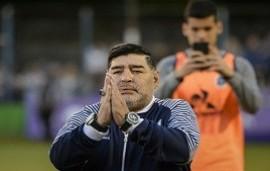 03/12/2019: ¿Para quién juega Maradona?