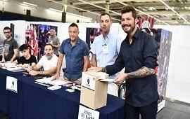 14/12/2019: En una elección histórica, Tinelli fue proclamado presidente de San Lorenzo